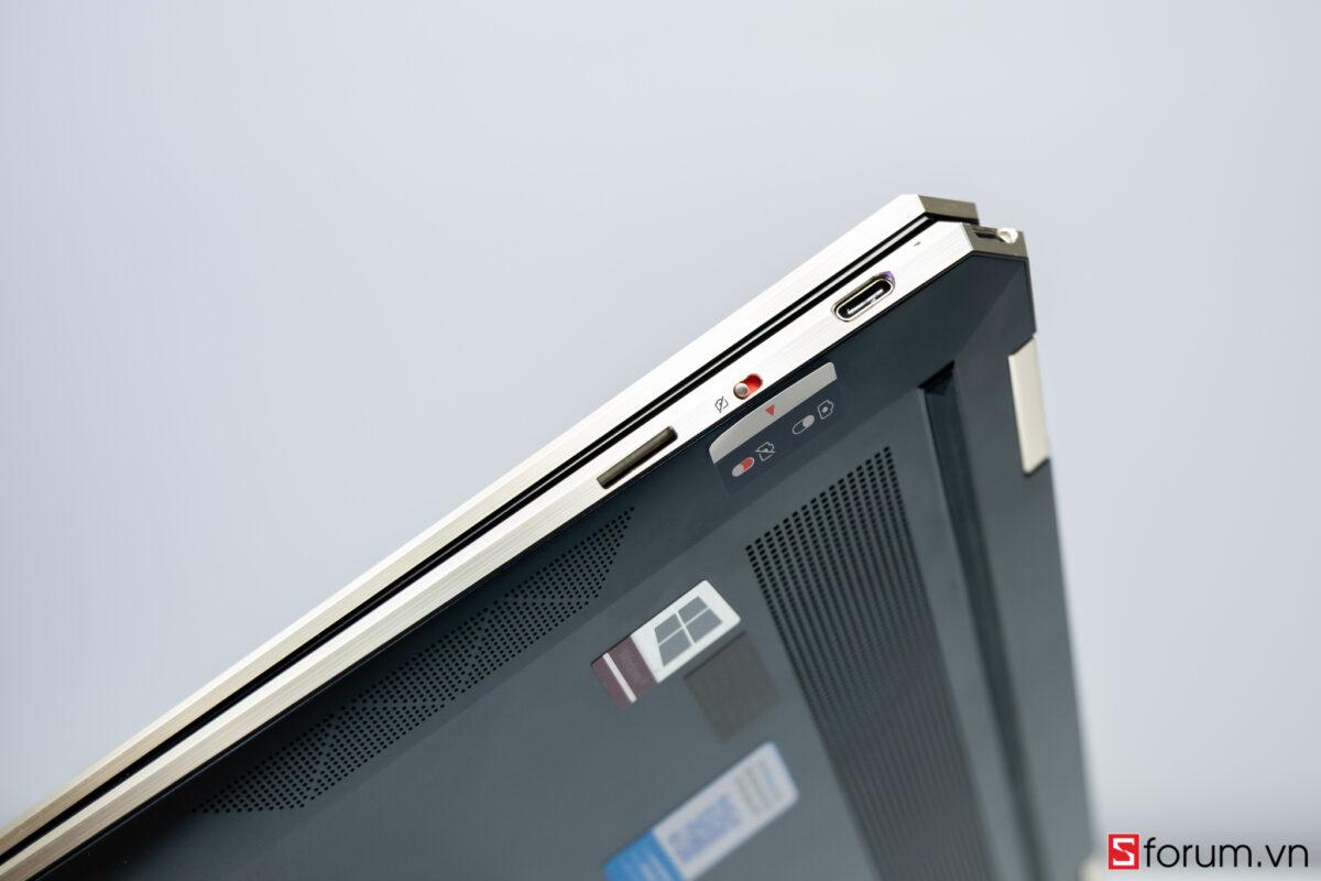 """Sforum - Trang thông tin công nghệ mới nhất HP-Spectre-x360-14-sforum-33 Trên tay tuyệt tác HP Spectre x360 13: Màn hình 4K OLED 100% DCI-P3, cấu hình chạm đỉnh, nhiều """"đồ chơi"""""""