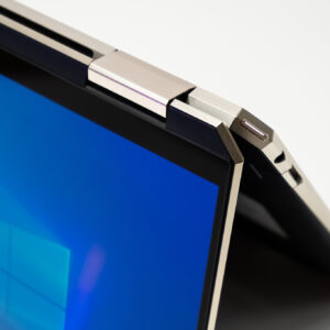 """Sforum - Trang thông tin công nghệ mới nhất HP-Spectre-x360-14-sforum-24-300x300 Trên tay tuyệt tác HP Spectre x360 13: Màn hình 4K OLED 100% DCI-P3, cấu hình chạm đỉnh, nhiều """"đồ chơi"""""""