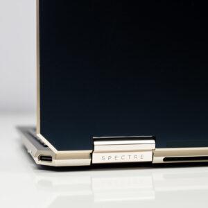 """Sforum - Trang thông tin công nghệ mới nhất HP-Spectre-x360-14-sforum-21-300x300 Trên tay tuyệt tác HP Spectre x360 13: Màn hình 4K OLED 100% DCI-P3, cấu hình chạm đỉnh, nhiều """"đồ chơi"""""""