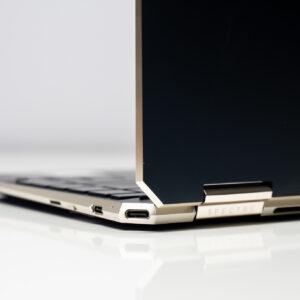 """Sforum - Trang thông tin công nghệ mới nhất HP-Spectre-x360-14-sforum-20-300x300 Trên tay tuyệt tác HP Spectre x360 13: Màn hình 4K OLED 100% DCI-P3, cấu hình chạm đỉnh, nhiều """"đồ chơi"""""""