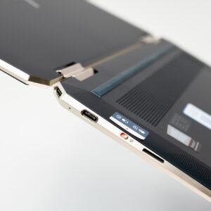 """Sforum - Trang thông tin công nghệ mới nhất HP-Spectre-x360-14-sforum-19-300x300 Trên tay tuyệt tác HP Spectre x360 13: Màn hình 4K OLED 100% DCI-P3, cấu hình chạm đỉnh, nhiều """"đồ chơi"""""""