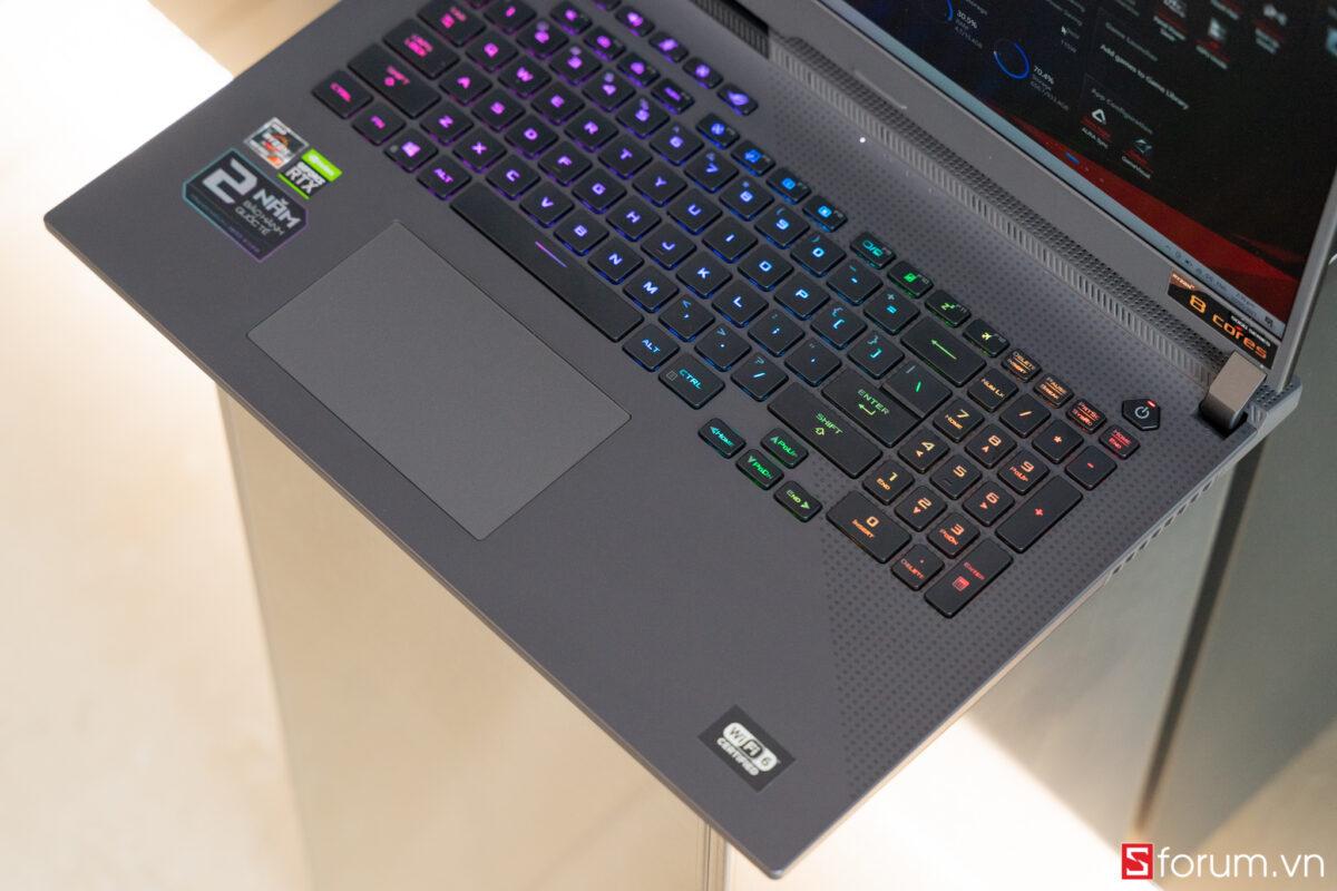 Sforum - Trang thông tin công nghệ mới nhất ROG-Strix-G17-1-05633 Trên tay và trải nghiệm nhanh Laptop ROG Strix G17 thế hệ mới: Nâng cấp diện mạo, hiệu năng cải tiến, hướng đến game thủ Esports