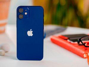 iPhone 12 mini 256GB được gọi tên trong top điện thoại tốt nhất 2021