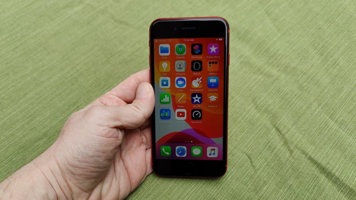 Đánh giá iPhone SE 2020 chi tiết nhất từ nhà chuyên môn
