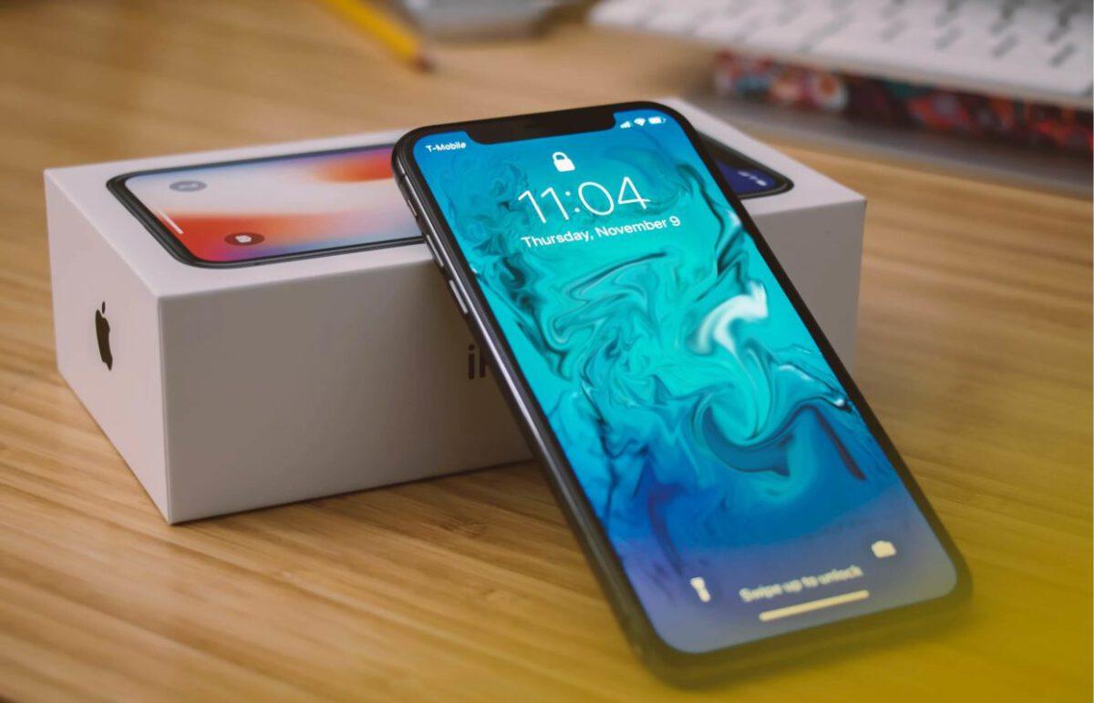 Đánh giá iPhone X chi tiết nhất: Có nên mua trong năm 2021?